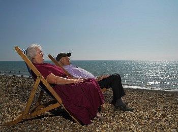 Как пенсионеру получить компенсацию за проезд: порядок, документы